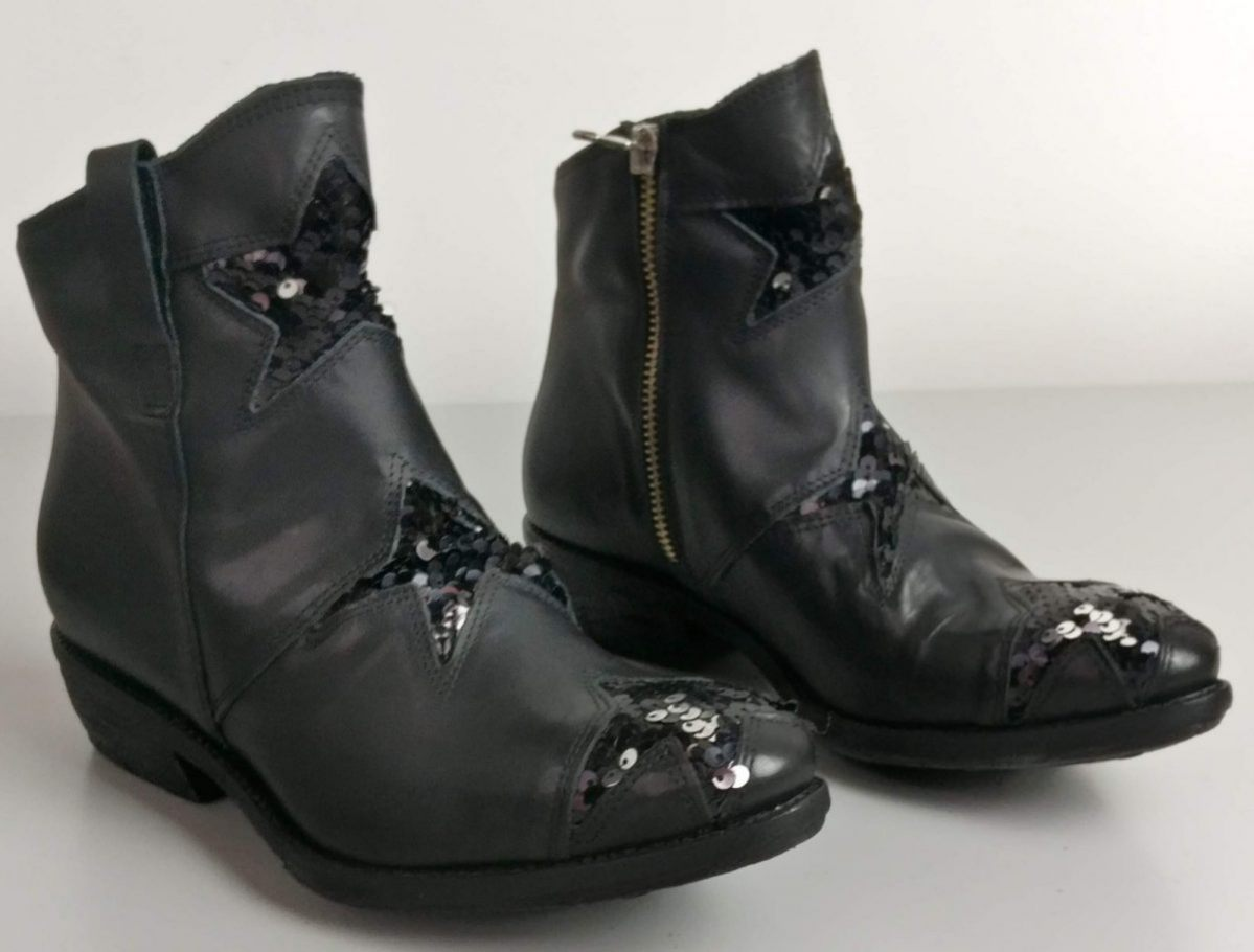 Camperos vitello nero con stelline in paillettes